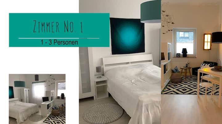 Zimmer No. 1, Schlafen im Haus d.Nähcafe