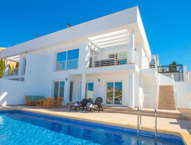 Modern villa with private pool and sea views in Calpe