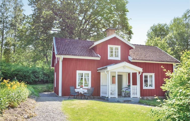 Holiday cottage with 2 bedrooms on 100m² in Vimmerby