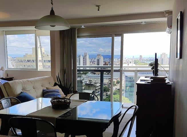 Apartamento,  diseño moderno y excelentes vistas.