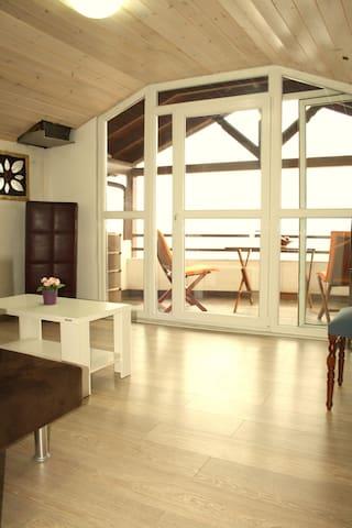 Maira luxury studios (Family Apartment)