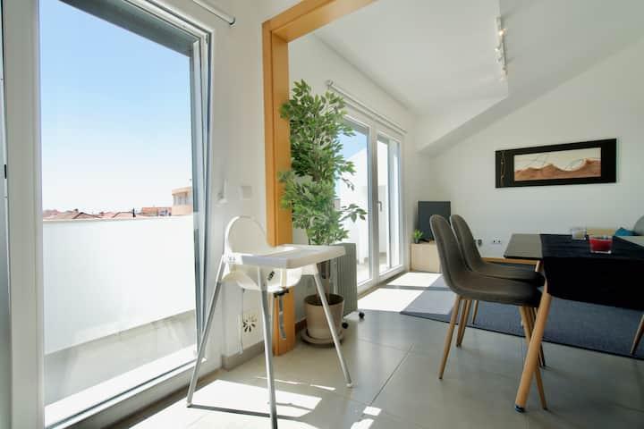 The Sunny Loft - Beach & Surf - 2 bedroom flat