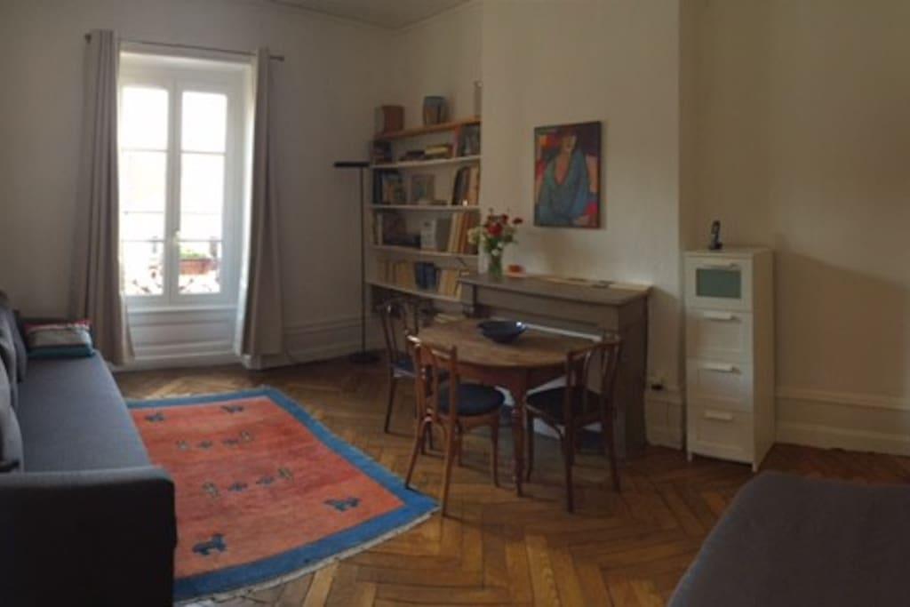 La chambre vue depuis l'entrée