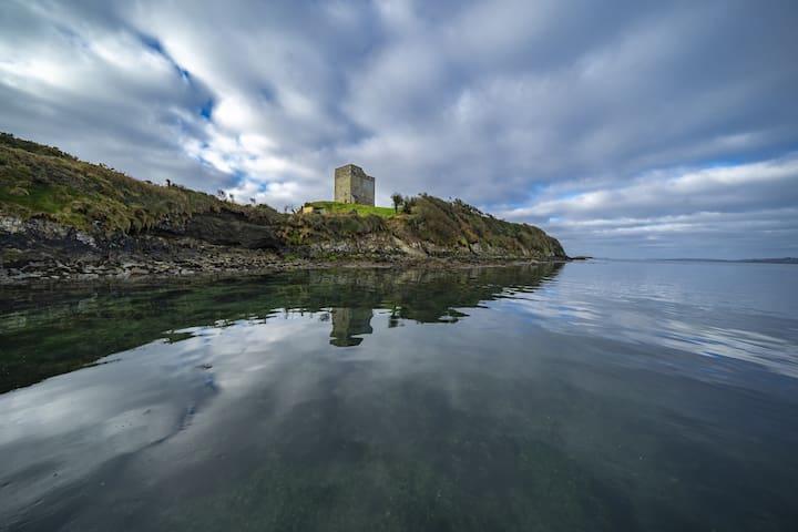 Rincolisky Castle at Roaring Water Bay