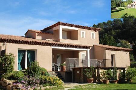 Villa dilettante au cœur de la Provence / Var - Méounes-lès-Montrieux - Villa