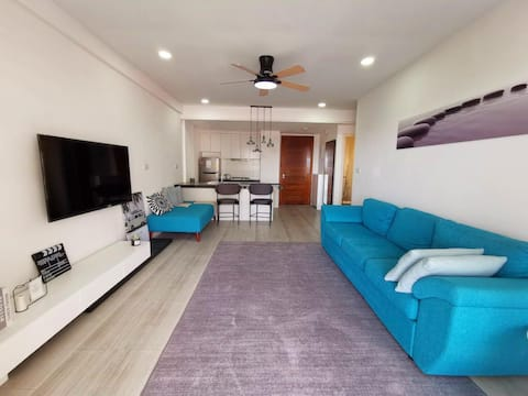 Stylish 1BR Condominium | 3mins to Airport