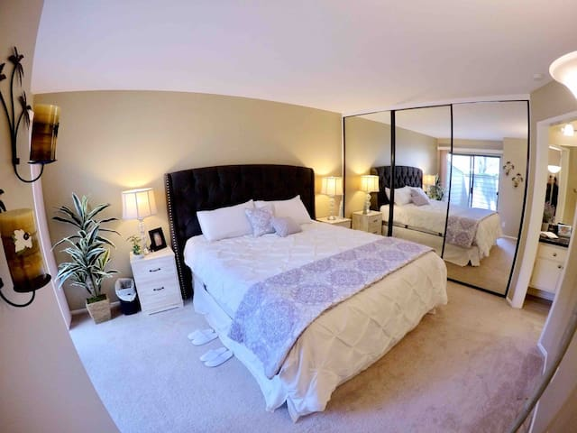 Deluxe Private Master Room with Bath Orange County