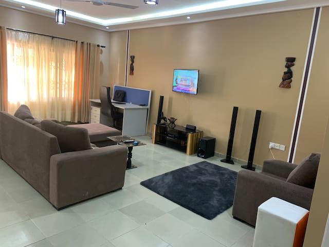 Cozy, private and secured house in Accra
