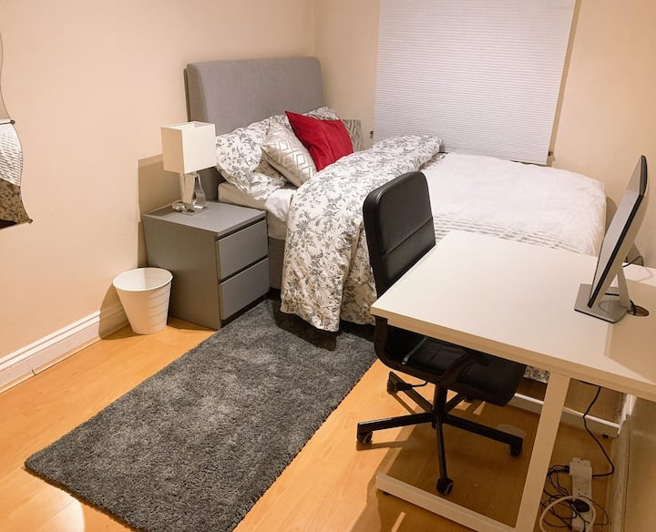 Spacious Double Room in Royal Docks, Canning Town