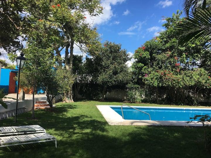 Casa+3 Dptos en Villa Framboyanes