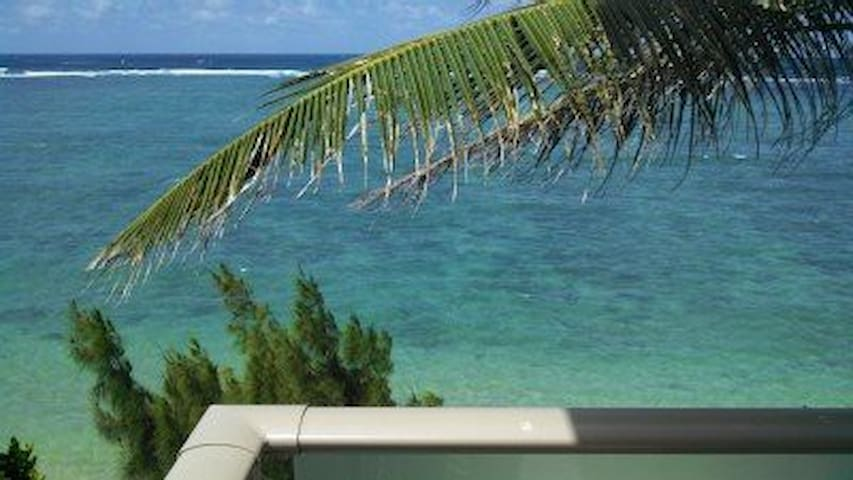 1 BR w/ Great Views! Can't get closer to the sand! - Hauula - Apartemen
