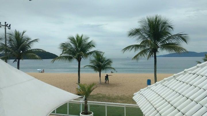 Casa em frente a praia paradisíaca angra dos reis