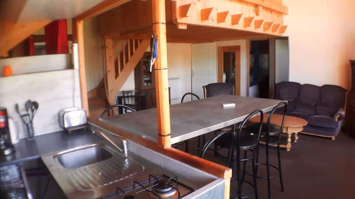 House with 2 bedrooms in Échenans, with enclosed garden and WiFi - 40 km from the slopes