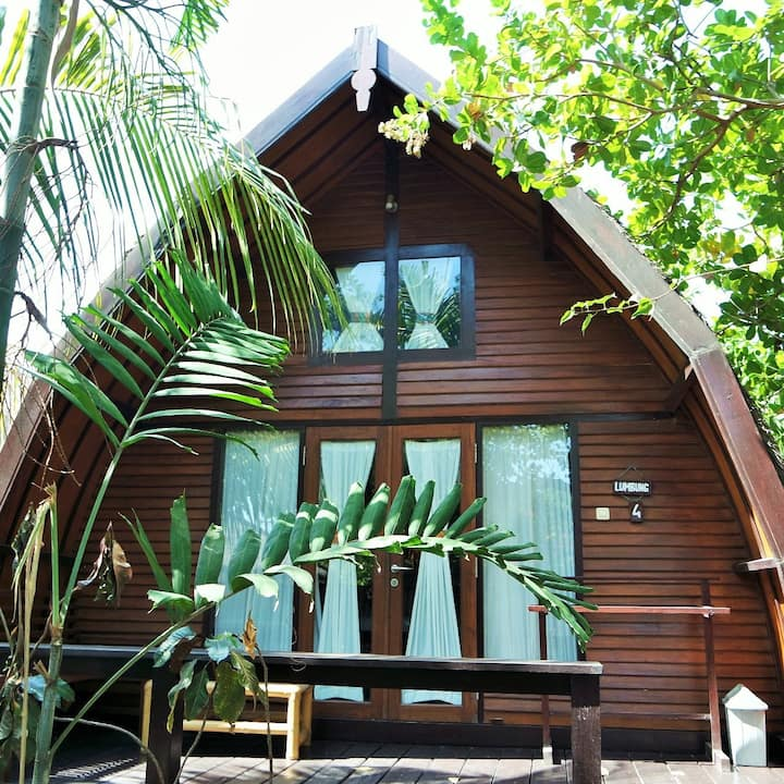 Omah Gili Air Lumbung, traditional bamboo house