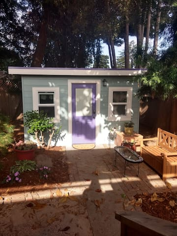 Elegant Tiny House - 5 minutes to downtown Napa!
