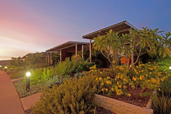 KARRATHA - one bedroom self contained apartment