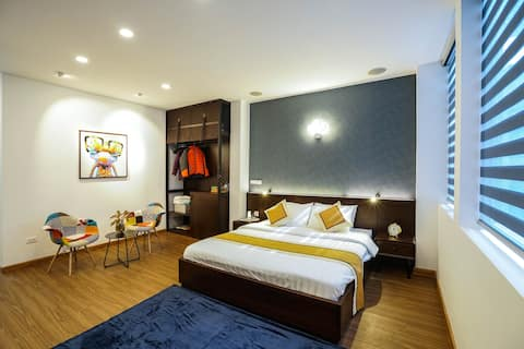 ☆Deluxe room next to HoanKiem Lake, Patio access☆