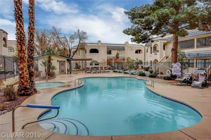 WHOLE CONDO, Pool, H/T, Gated, GREAT AREA, 1st FLR