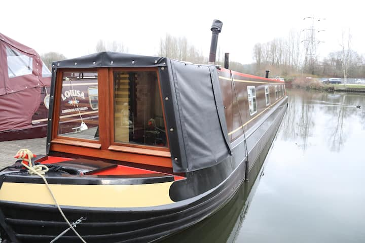 Narrow boat on private mooring