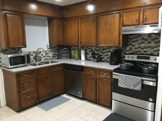 Private Duplex! Houston Hobby/Clear Lake/Galveston