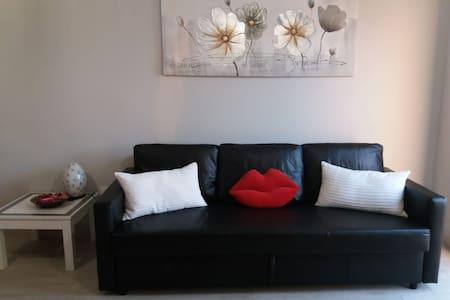 Deluxe White Apartment  Parque Don Jose'