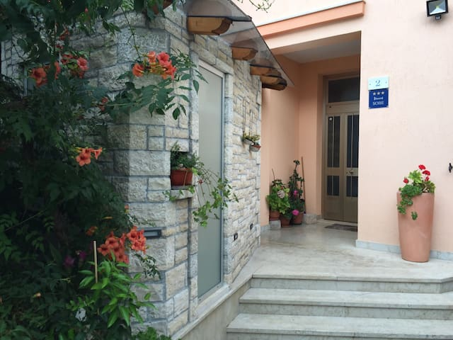 Guest House Rojnić - Rovigno - Bed & Breakfast