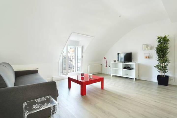 Maravilloso nuevo apartamento  Champs Elysées