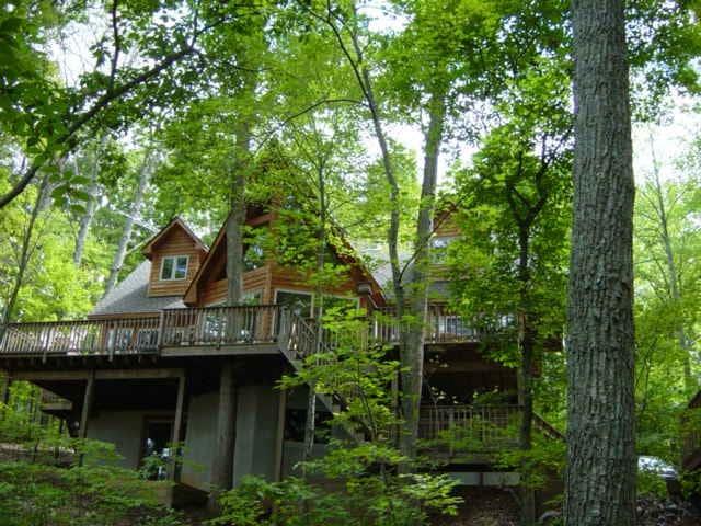 New Listing - Woodland Lake Retreat (Waterfront)