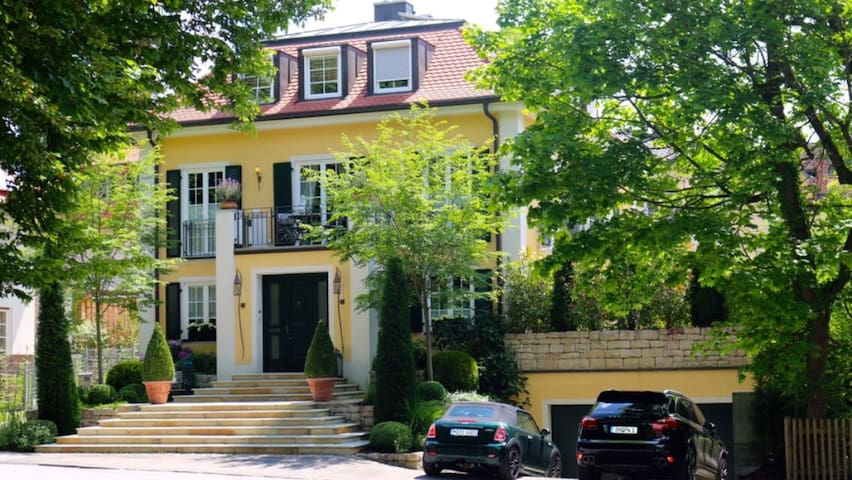 Luxus Villa in Starnberg bei München - Starnberg - Villa