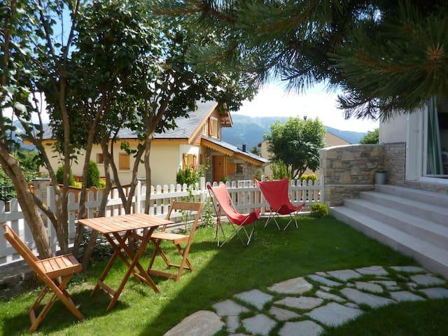 Charmante maison de village - La Llagonne - La Llagonne - Talo