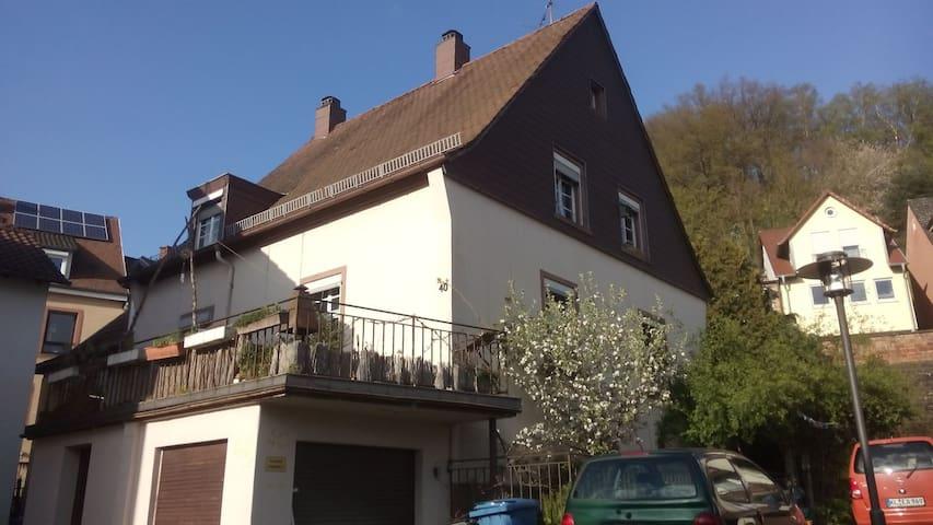 altstadthaus m. garten & südterrasse - kleines zi. - Otterberg - House