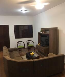 2 Casas: bairro Cidade Nova-Itaperuna c 6 quartos