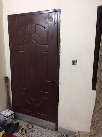 Single shared room in Lahore