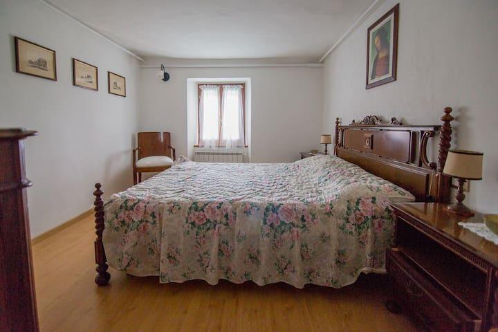 Casa coloniale immersa nel verde - Casola In Lunigiana - บ้าน
