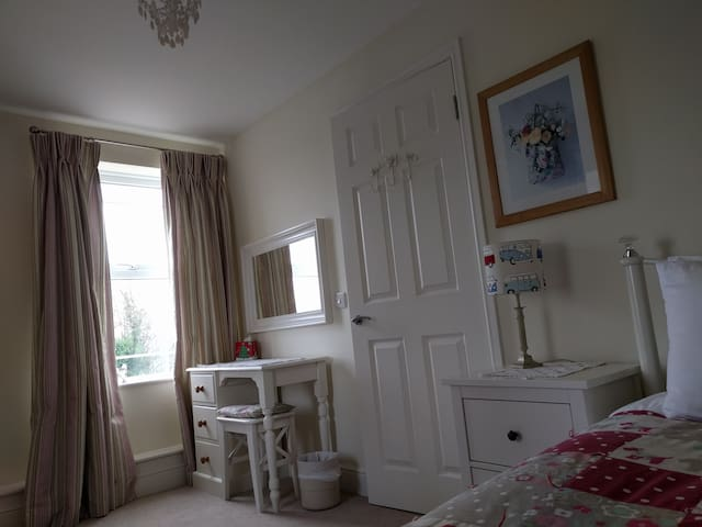 Single Bedroom on first floor. A wooden cot is also available.
