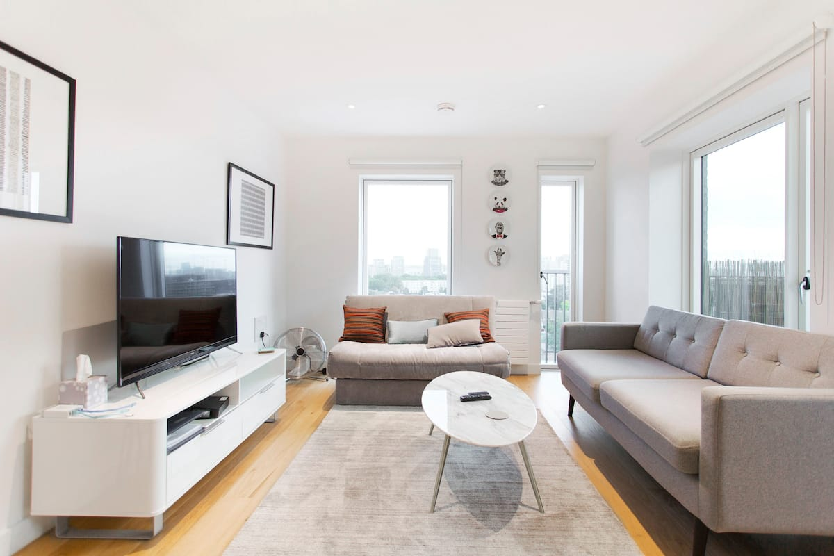 Whole Chic and Fun Apartment Canary Wharf O2 Excel