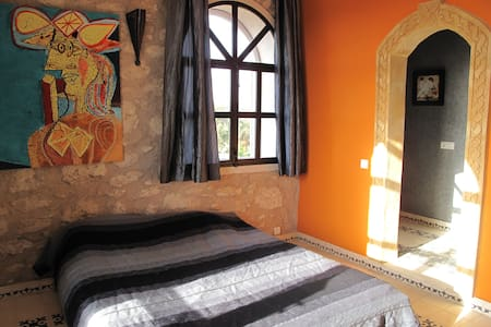 Dar Farahi: chambre cinq (  twee persoonskamer) - Ghazoua