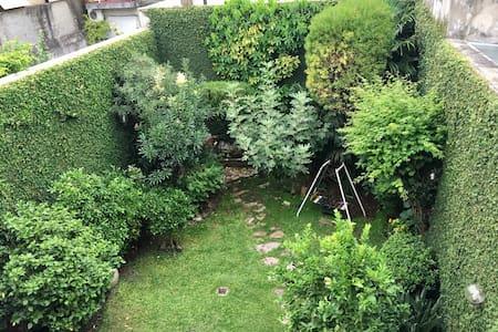 Habitac en hermosa casa con jardín - Buenos Aires