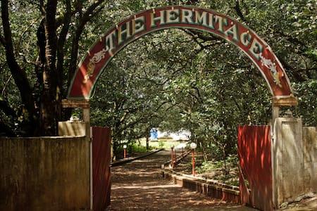 Hermitage Villa & Camp - Matheran