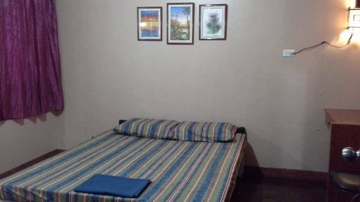 Bedroom for rent in Makati