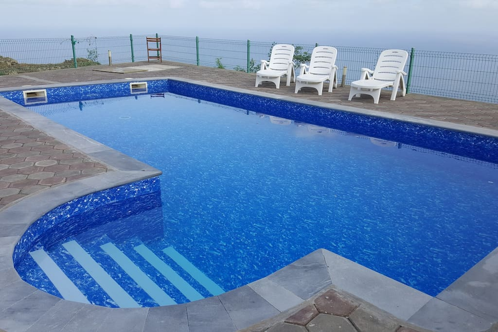 We can also provide access to a private pool subject to availability and a local charge of 10 EUR per day