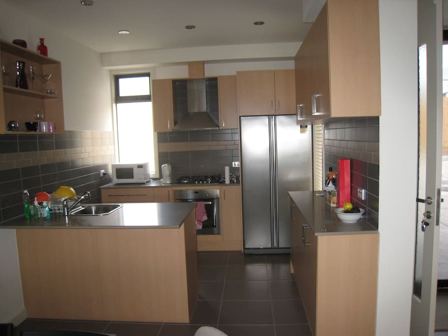 Fully equipped kitchen (dishwasher included)