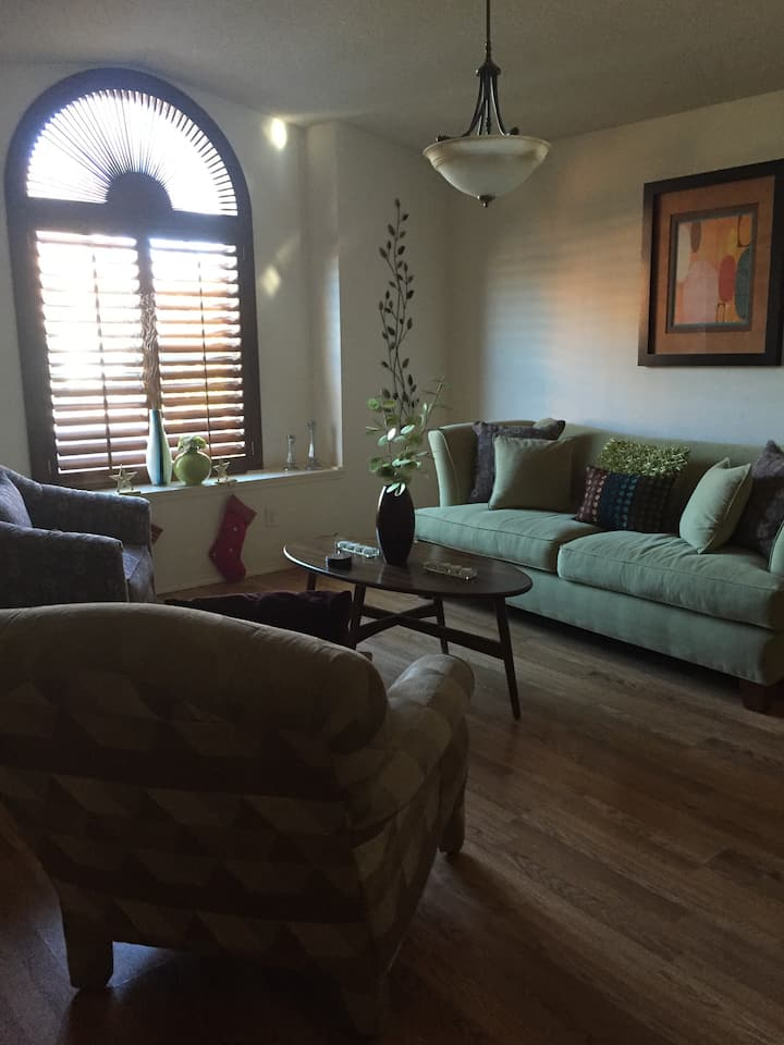 Room on Westside El Paso! Enjoy and pay less.