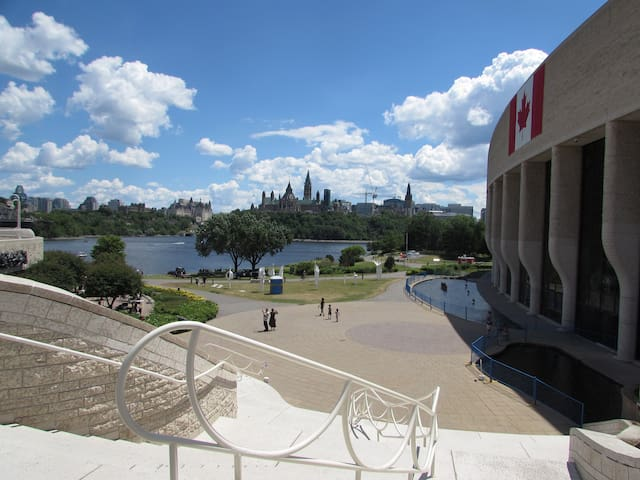 4 - Ottawa  Center  - Clean & Safe Home
