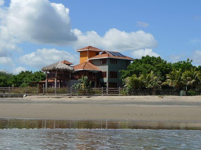 Quinta Mar y Estrellas Main Beachhouse - Huehuete - Casa