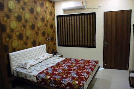 A clean Well Maintained room - Nagpur