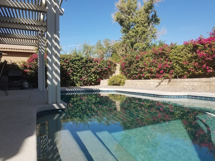 Golf Retreat. Private Pool/Spa. Gated Community