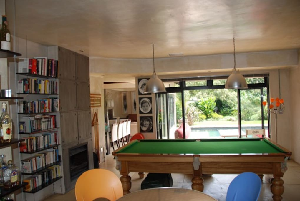 3/4 Snooker table