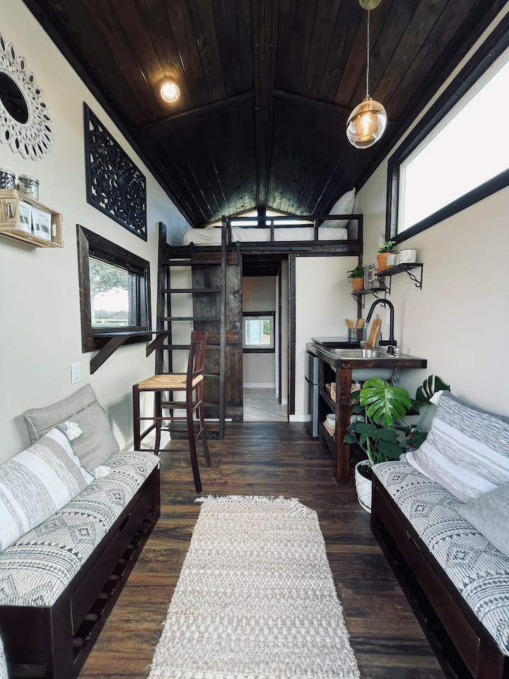 Chai Tiny Home ~ Private Nature Retreat