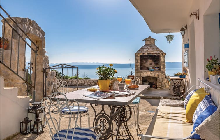 Holiday cottage with 2 bedrooms on 70m² in Podgora